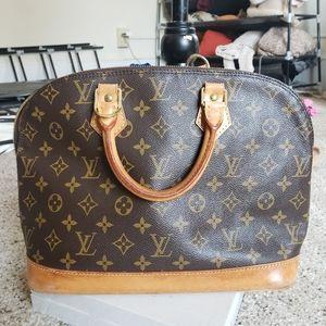 Louis Vuitton Alma putse